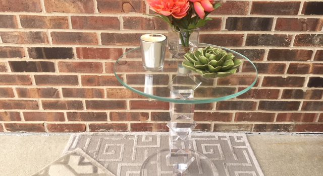 JWI Decor Red Flowers and Glass Table